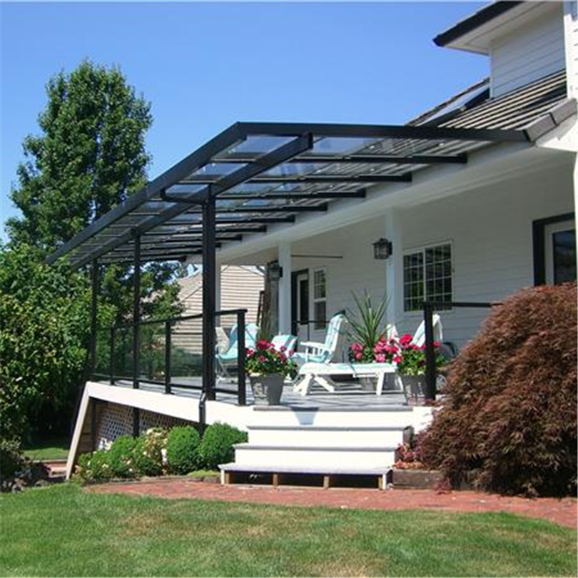 Oisolerat öppningsbart glastak över terrass, USA