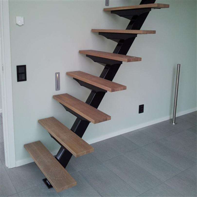 Vytab Viren rak trappa med trästeg