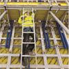 Fällbara arbetsplattformar, förmonterat säkerhetssystem, hög arbetssäkerhet, intregerade ändskyddsräcken, stegar, konsolsystem