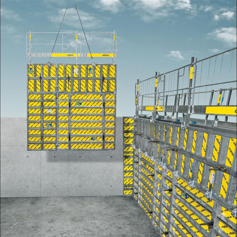 Luckformelement, väggformsystem med ett ensidigt manövrerbart stagsystem