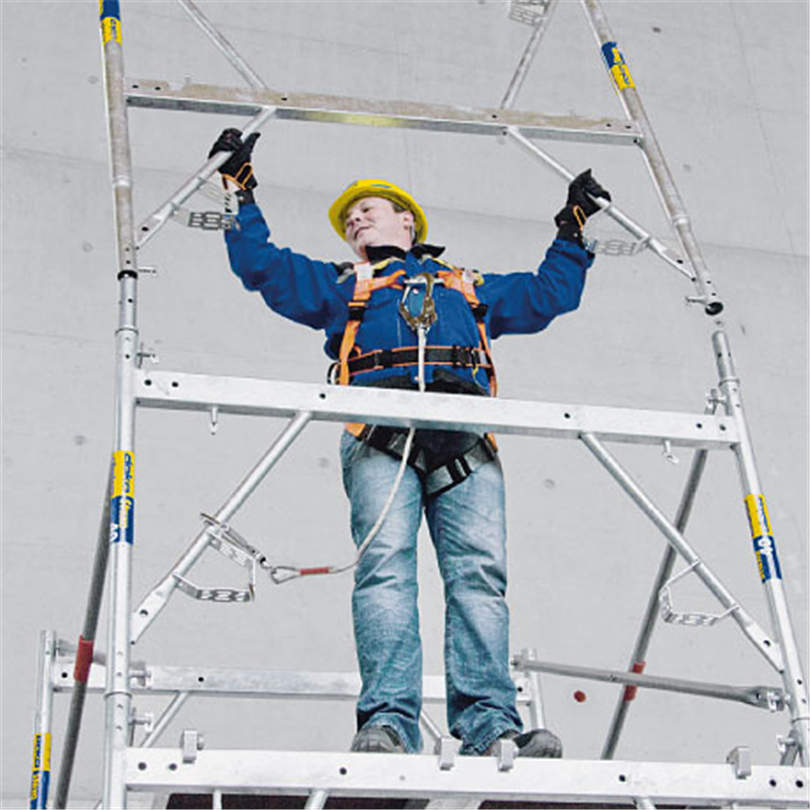 Doka Staxo 40 stämptorn, med stående montering