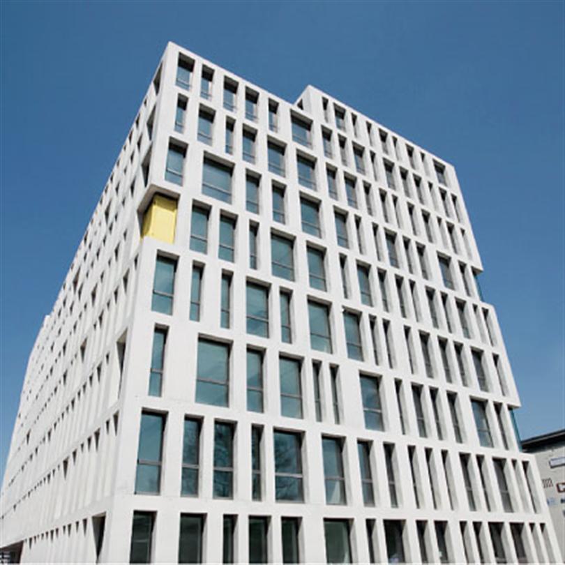 Förmonterad träbalksform, för formgjutning,  fasad Domino ESP Bers, Schweiz