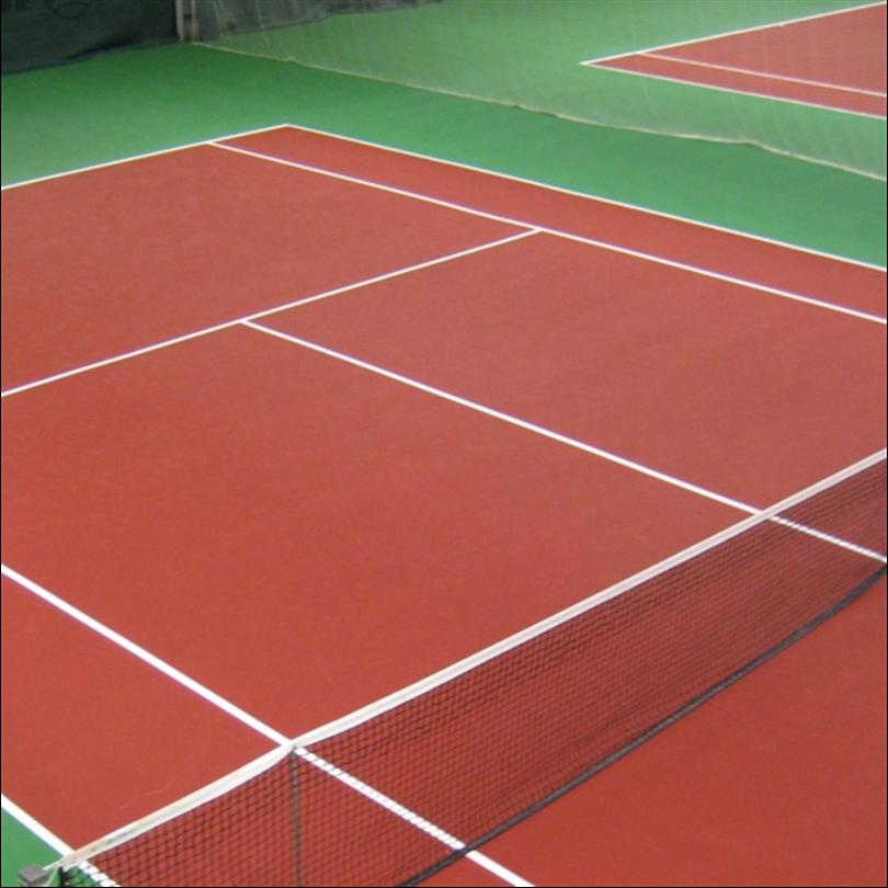 Slitstarkt tennisunderlag, sviktande skumbaksida, skoansam tennismatta, glasfiberförsträkta ytskit, präglad ytstruktur