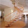 Trapptradition Svängd trappa med underliggande vangstycke