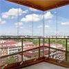 Balkonginglasning med stora toleranser, vindskyddad balkong med skjutbara dörrar