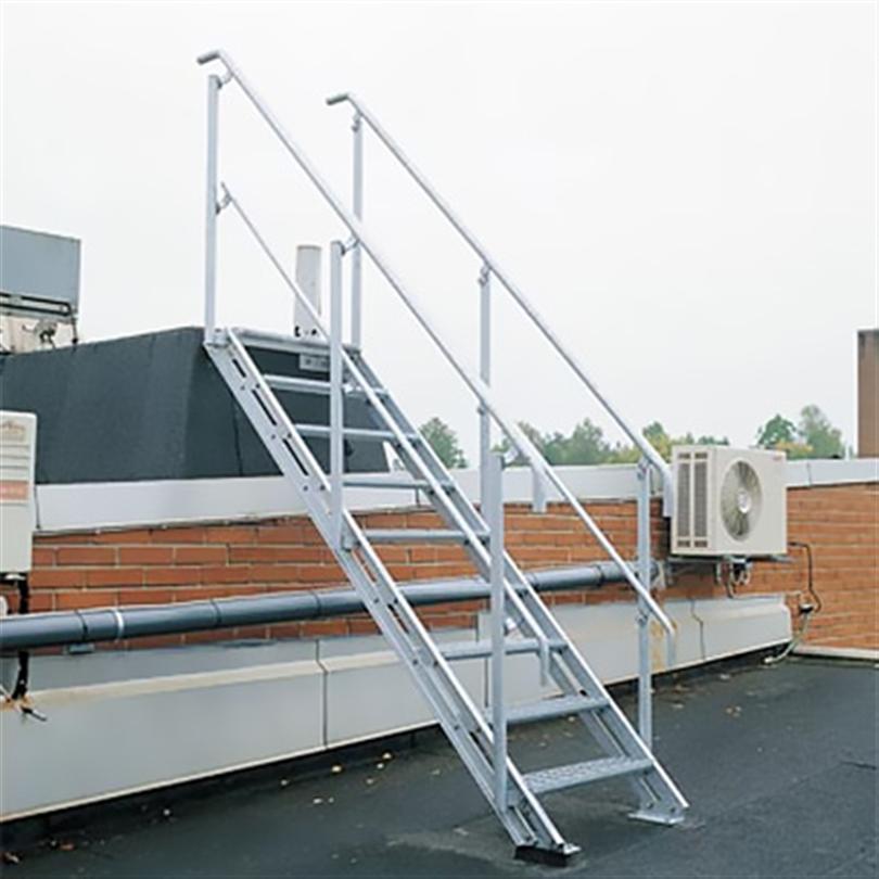 Ställbar trappa för olika lutningar, rak trappa av stål