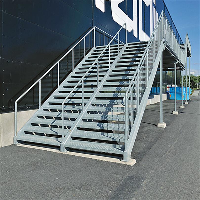 Rak trappa av stål med mittvangstycke, anpassningsbara trappor, tåligt stål