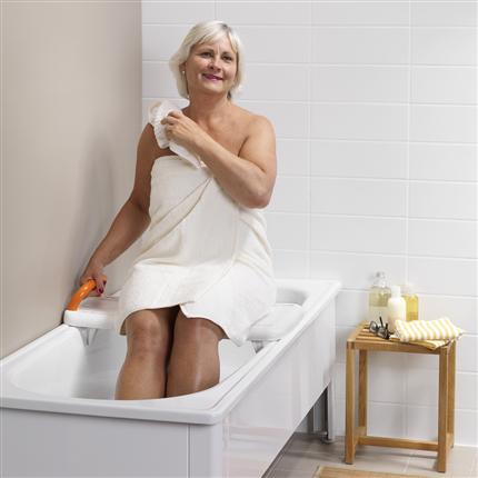 Badbräda på badkar, hög funktionalitet, trygg badbräda, unik form, utrustning för funktionsnedsatta,antihalk, vattenavrinning