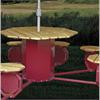 OctoLine sittgrupp finns i olika utföranden med grill, parasoll eller papperskorg. Sittgruppen kan enkelt handikappanpassas vilket bilden visar
