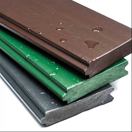 Plankor och reglar av återvunnen polyeten