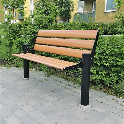 Aluminiumbänk med ryggstöd, utemöbel för offentliga miljöer