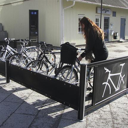 Cykelställ för stadsmiljö med låsbåge