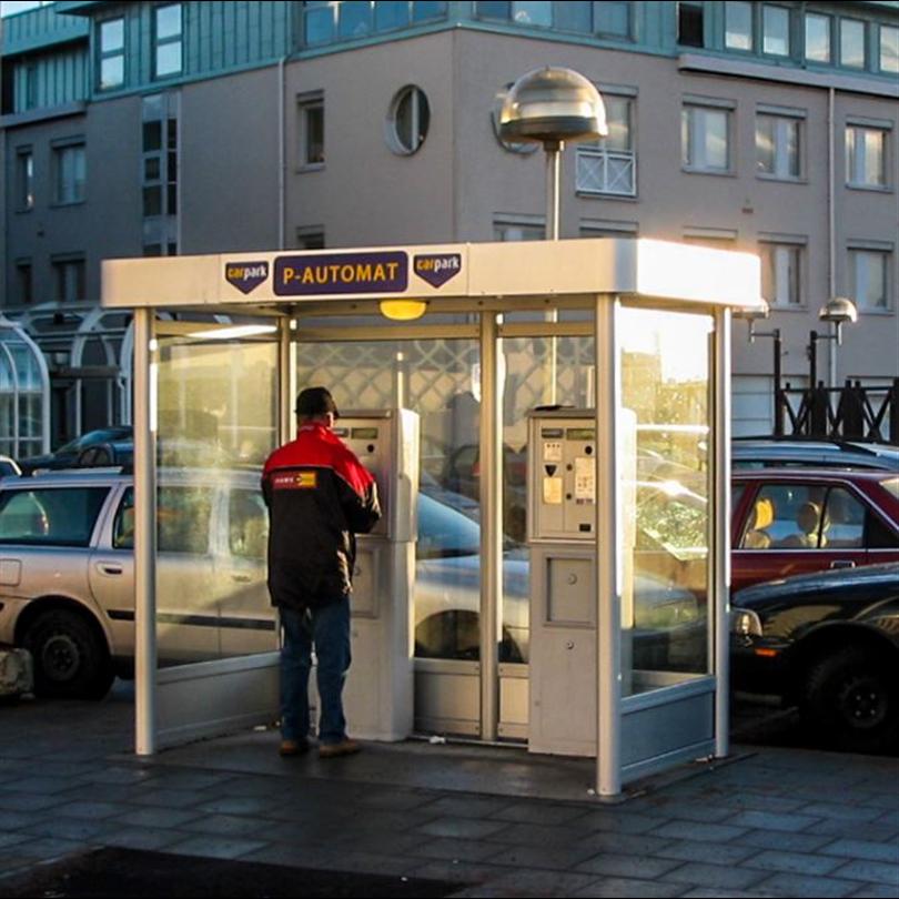 Väderskydd för parkeringsautomater, paneler av härdat glas