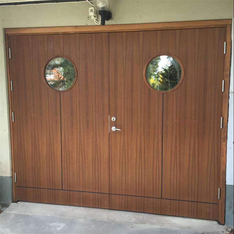 Leksandsdörren garageport Almo, teak