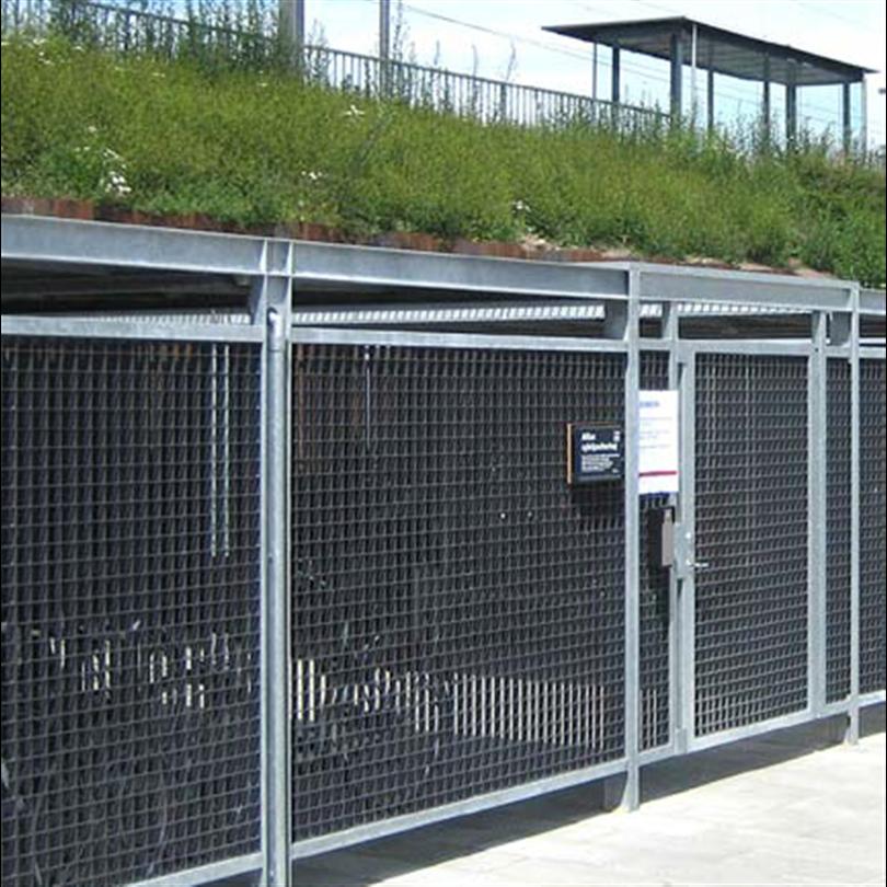 Cyklos KEEP väderskydd med galler och sedumtak