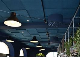 Blå Parafon Step i restaurang
