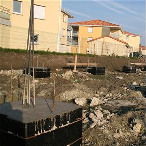 Ny fundamentform för formsättning av plintar och grundsulor