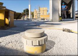 Mätdosa placerad på nylagd betong