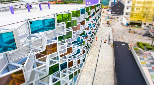 Integrerade solcellspaneler för fasader, Vallastaden