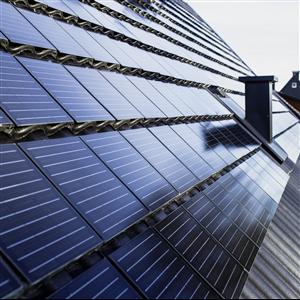 I början på juni introducerade S:t Eriks den nya solcellspannan Solvej. Takpannan har integrerade solceller som ger upp till 160 W per kvadratmeter och kan användas för såväl villor och kedjehus som flerbostadshus.