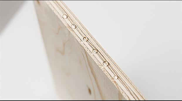 Plywood med vattenavvisande yta