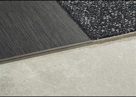 Brushed Lines LVT kan kombineras med Interface textilplattor eller nora®-gummigolv