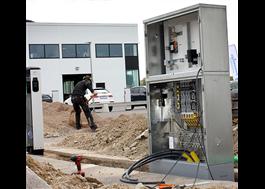 Färdigbyggt och miljövänligt kabelskåp för belysning och fördelning