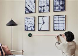 Atino linjelaser hjälper till att få tavlorna på en rät linje