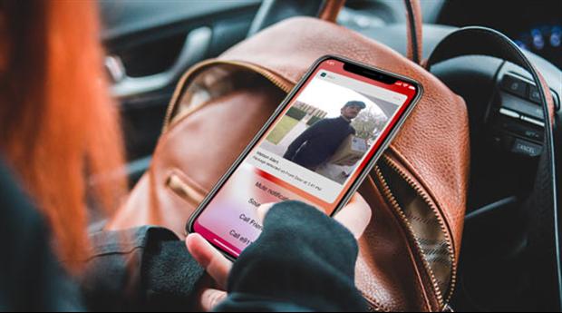 Arlo Video Doorbell med uppkopplat videosamtal direkt i mobilen