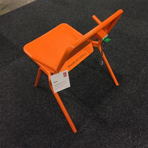 Låsbara stolar i popup-park