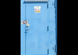 Coverlock fastsvetsad på säkerhetsdörr