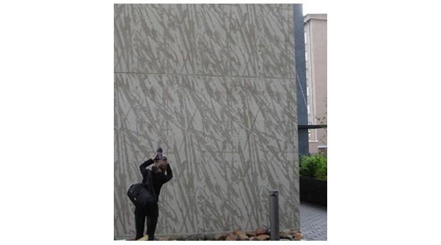 Stödmurar med grafiska mönster