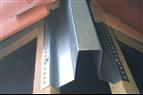 Lättmonterad nockregel i metall