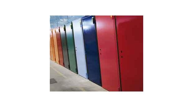 Klassade ståldörrar med vattenburen färg