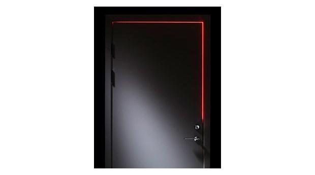 Lysdioder ljussätter dörren