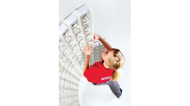 Monteringsprofiler för svängda glasblocksväggar