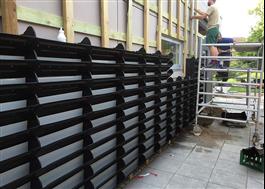 BGreen Living Wall-IT monteras på skensystem eller direkt på vägg