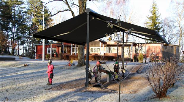 Praktiskt solskydd för förskolor